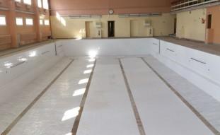 2014 Jelgavas 6 vidusskolas telpu remonts – baseina sienu flīzēšana